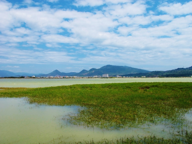 Longluan Lake, near Hengchun.